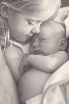 Big sister picture- SO sweet!