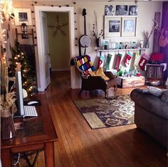 Decorating for Christmas on a dime.  #christmas #decor #rustic