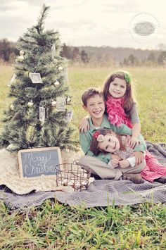Such a great Christmas image.  Also Christmas Card Photos: 6 Simple Tips for Getting THE Shot