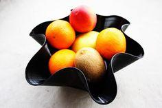 Fruteira incomum feita com disco de vinil. PAP simplesimo!