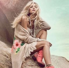 shoes, sweater, twinset simona, fashion, awesom style, lounges, simona barbieri, life style, boots