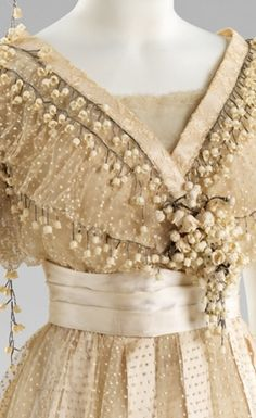 wedding dress detail 1910