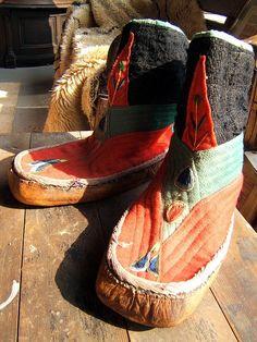 Tibetan shoes