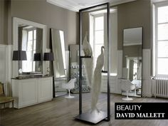BEAUTY: DAVID MALLETT SALON DE COIFFURE PARIS