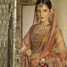 """""""Love https://www.ArtKarat.com/main/default.aspx #Jewelry!""""  Sauyma Set."""