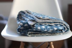 Noodlehead: baby seal lap duvet - super comfy looking double gauze baby blanket