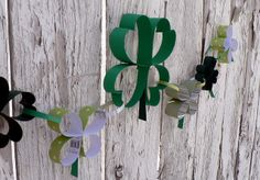 Paper Shamrock Chain Tutorial (preschool or for the mantle?! BOTH!)