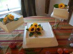 Acrylic Plates and Tubes.  Cakes By Graham, More than Just the Icing on the Cake.  http://richmondcakes.com/