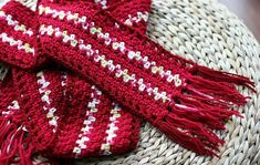 Two-Tone Lace Edge Crochet Scarf  #Crochet #FreePattern: http://www.eatingoutloud.com/2010/11/crocheted-striped-scarf-with-railroad-border.html  #TheCrochetLounge #MensScarf #Find