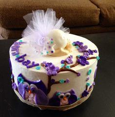 Baby's bum / Owl themed Baby Shower Cake