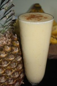 SIMPLY SUNSHINE SMOOTHIE 5 bananas  1 pineapple  (the juice of) 1 lemon  1 1/2 cups ice  1 cup water  dash of cayenne