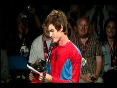 Andrew Garfield spiderman comic con panel intro, he is fantastic