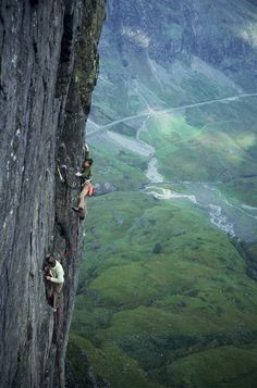 An early ascent of Crocodile, Glen Coe  © Grahame N, Jun 1979  Climbers: Gerry Handren & Jim Melrose