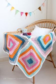 Crochet baby blanket (granny squares).