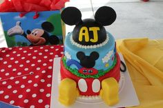 Great Mickey Mouse cake!