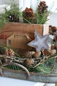 Rustic Christmas decor ~ mixed textures