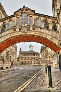 The Bridge of Sighs, Hertford Bridge, Oxford, England • photo: msauder