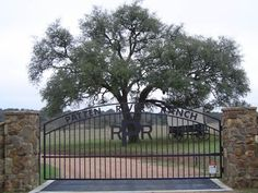 Ranch Driveway Entrances | Custom Ranch Gates Ranch Gates and Entry Overheads Custom Made For You ...