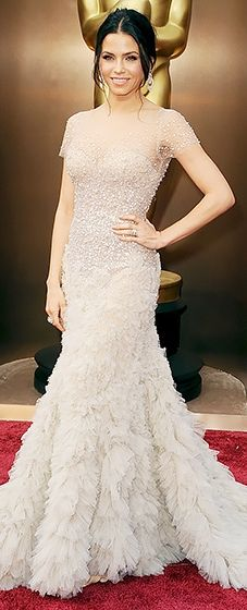 Jenna Dewan-Tatum dressed in Reem Acra at the 2014 Oscars