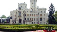 Hluboka Castle,Cehia  Castele si palate pline de istorie (partea 1) - galerie foto.  Vezi mai multe poze pe www.ghiduri-turistice.info  Sursa : http://www.europeancastlestours.com/tours/imperial-gallery.htm