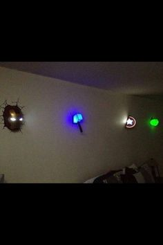 Awesome night lights for a child's superhero room! @Jaci Edmonds Edmonds Lynn I keep seeing you pin super hero stuff these are kinda cool