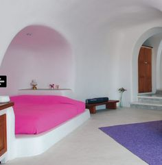 How cool is this room and bed?