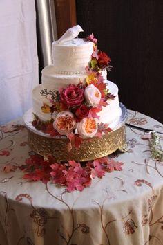 Rustico #WeddingCake I Culinary Crafts I See more @WeddingWire I #rusticwedding