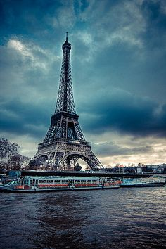 The Eiffel Tower and dinner cruises ships