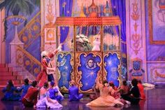 LAST CHANCE to win #MoscowBallet #tickets and $200 of Gift items. What entertainment do the children enjoy at the party? Answer at www.nutcracker.com/enter-to-win