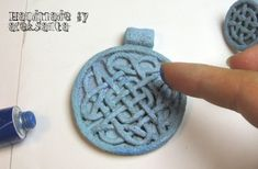 Faux stone celtic pendant and ring. Tutorial in Russian but with step by step pictures.
