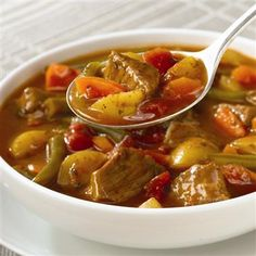 Crockpot Vegetable Beef Soup-This is an easy, hearty, low calorie, low carbohydrates and low fat recipe. Weight Watchers friendly at only 3 Points+ per serving. Makes 8 servings.