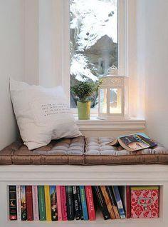 Window seat with bookshelf.  Brillo!