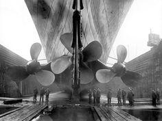 The propellers on Titanic's sister, Olympic, give a sense of the vessels' scale. Each side (or wing) propeller was the size of a two story house.