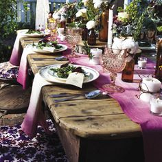 Ombre DIY Wedding Table Linens | AllFreeDIYWeddings.com