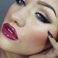 eye colors, makeup lips, flawless face, lip colors, winged eyeliner, lip colour, brow palett, mac red, red dwarf