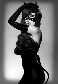 Catwoman S)