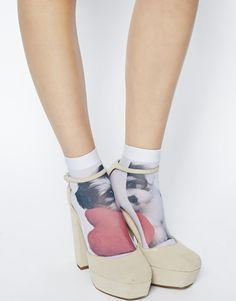 shoes, white sock, puppies, dogs, aso valentin