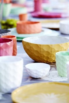 ceramic bowls :: The Mod Collective