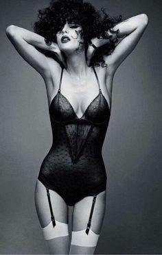 Boudoir - Lingerie - Garters - Black and White - Portrait - Editorial - Photography - Pose Idea / Inspiration