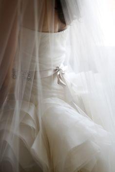 Some serious #verawang loveliness. Photography: Clark Walker Studio - clarkwalkerstudio.com  Read More: http://www.stylemepretty.com/2014/07/18/romantic-finger-lakes-wedding/