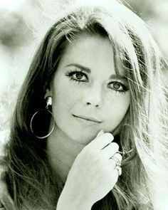 Natalie Wood.  I could swim in her eyes...