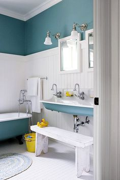 Adding a touch of color to an otherwise all-white bathroom gives a fresh and airy feel, while avoiding the aquarium effect that painti... Kids Bathrooms, Bathroom Colors, Color Blue, Bathroom Colours, Boy Bathroom, Bathroom Sinks, Farmhouse Sinks, Kid Bathrooms