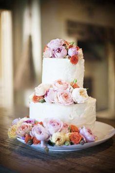 Gorgeous flower cake.