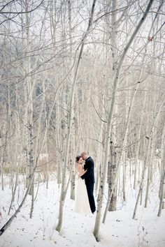 Snowy Leavenworth winter wedding. Impressed with this photographer's portfolio as a whole (Saskia M. Photography).