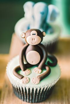 jungle-monkey-cupcake-topper