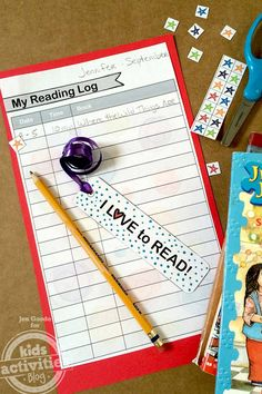 Make your own personalized bookmark and reading log with this free printable kit from Kids Activities Blog!