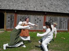 viking game of toga hönk (tug o war)