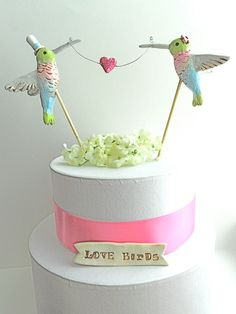Wouldn't Hummingbirds be ADORABLE for a #Spring Wedding theme? Check out today's #Etsy Thursday: Hummingbirds Wedding for more lovely inspiration - 3d-memoirs.com!