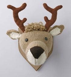 DIY Knitted Deer Head   23 Delightful Pieces Of Faux Taxidermy Where No Animal Actually Died deer head
