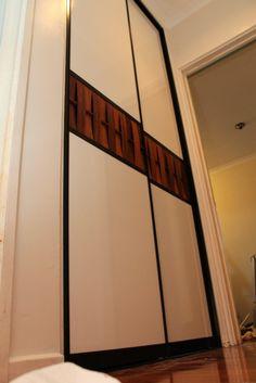 Glossing door frames